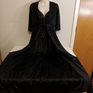 Vintage 70s black peignoir, negligee and robe